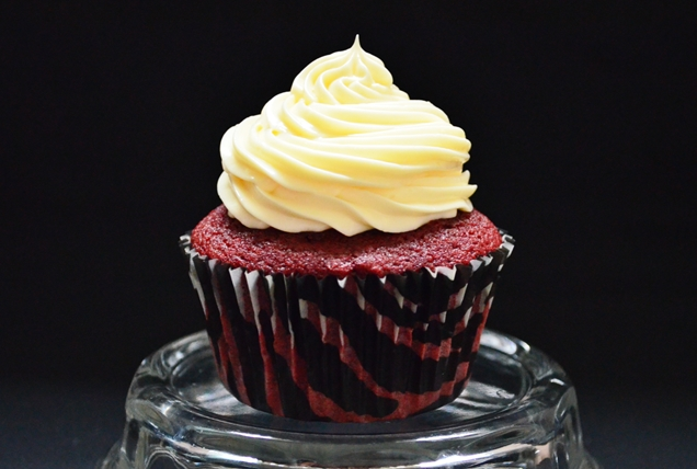 resepi red velvet cupcakes with cream cheese frosting