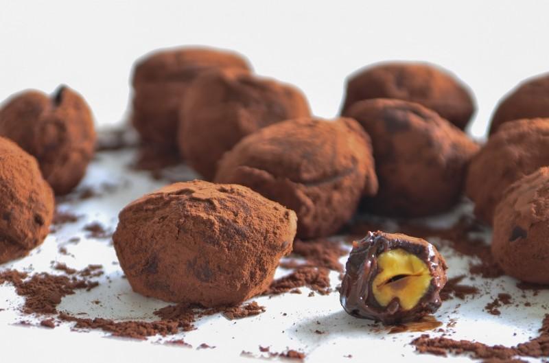 Chocolate Frangelico Truffles Recipe — Dishmaps